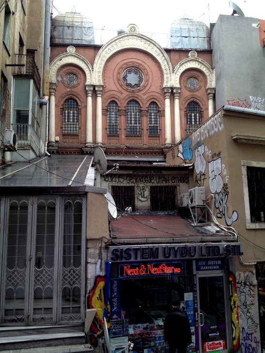 Ashkenazi synagogue in the Pera area.
